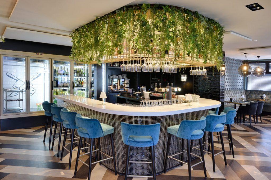 Buitenzijde van de bar bij Brasserie Pastis
