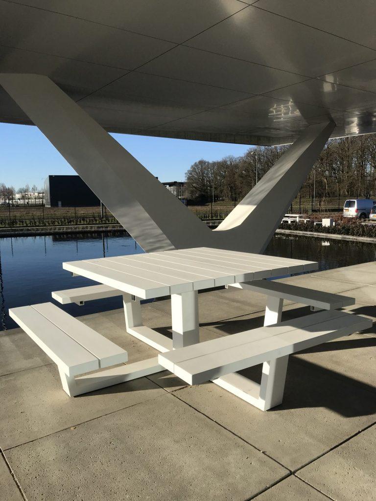 Vierkante 100% aluminium picknicktafel bij Texafoam