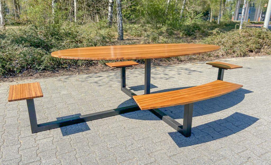 Picknicktafel ovaal 1,5 meter afstand